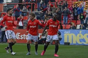 Achille Emana celebra el primer gol. Al final 2 a 1 per un Nàstic molt pràctic Foto:Nàstic