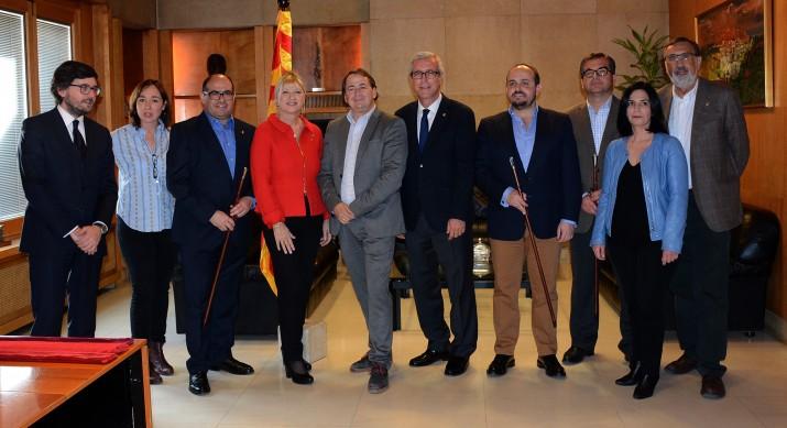 Ballesteros amb l'equip de tinents d'alcalde que té com a novetats Alejnadro Fernández i José Luis Martin (PP) i Josep M. Prats (Unió) (foto: MAURI)