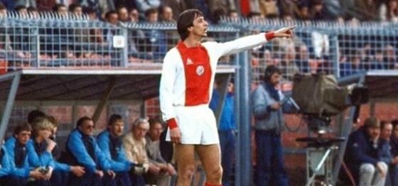 Cruyff amb la samarreta de l'Ajax.