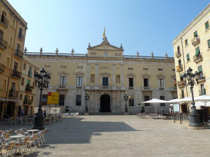 Palau Municipal a la plaça de la Font (foto: Fet a Tarragona)