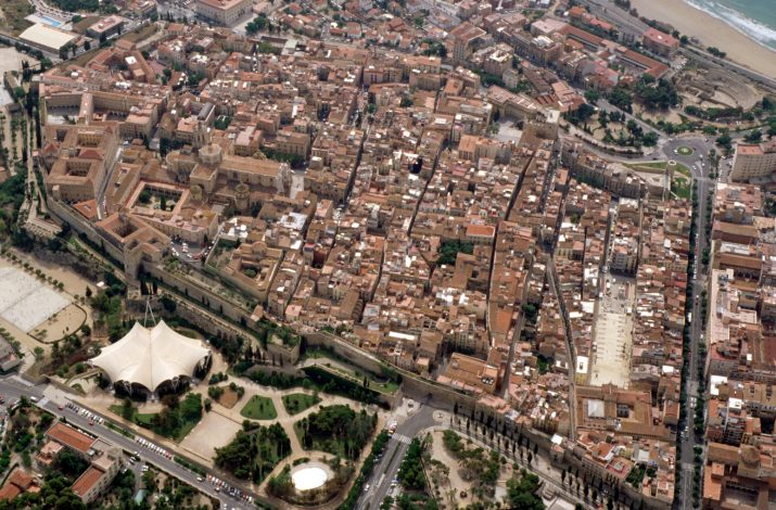 Imatge aèria de les muralles de Tarragona