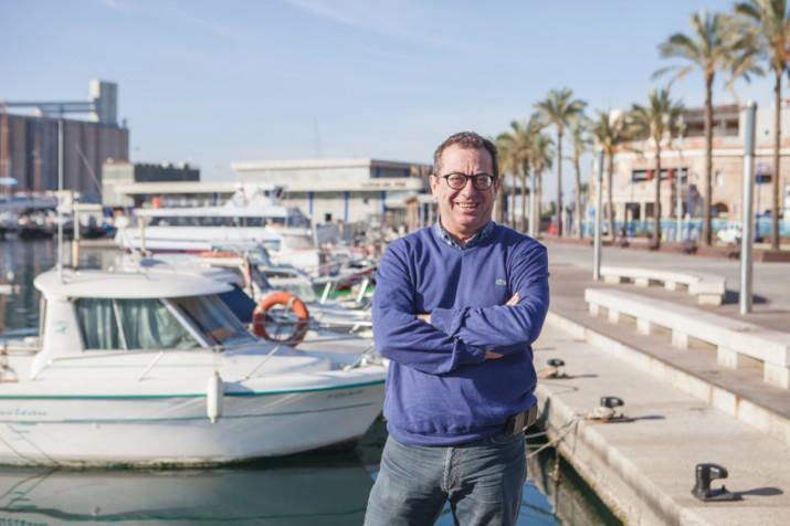 Joan M. Llobet i Mallafré, al Serrallo, al costat del mar, el seu espai ideal de Tarragona. Foto: AGUSTÍ ARÉVALO