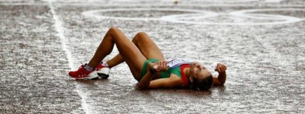 El quilòmetre 30 de la Marató passa factura a més d'un. Foto:Martíperarnau.com