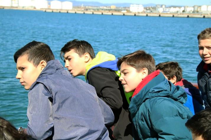Els alumnes de Conca admiren el port de Tarragona en una de les activitats organitzades pels companys de La Salle Torreforta