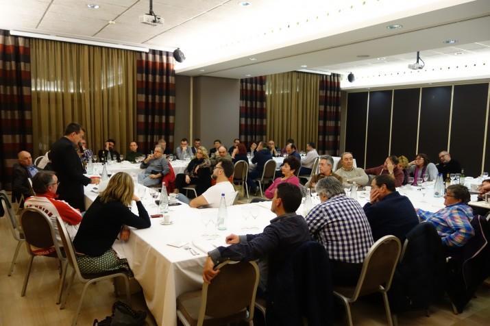 Una imatge general del sopar d'aquest dijous, amb la presència de 44 persones (foto: Toni Teuler - Sopars del Fòrum)