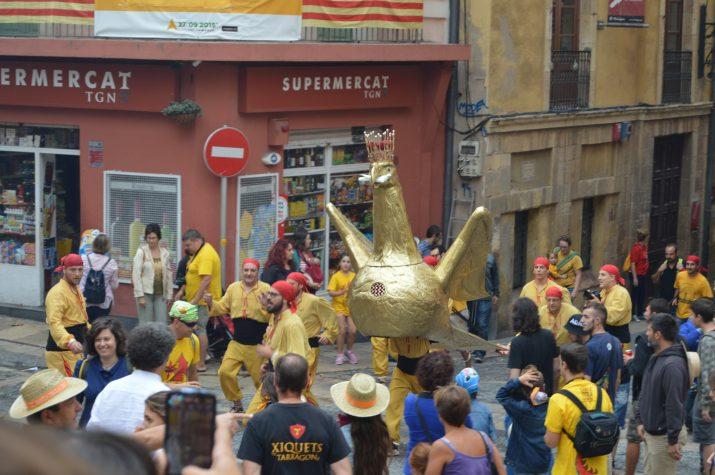 L'Àliga de Tarragona a la plaça de les Cols, en l'Anada a Ofici del matí del dia de Santa Tecla. Foto: FET a TARRAGONA