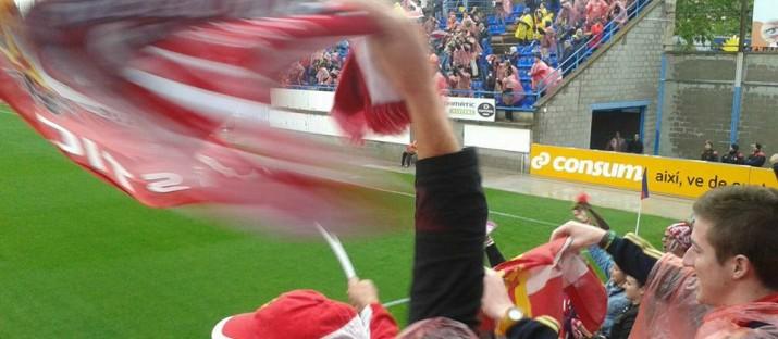 L'afició del Nàstic celebrava el primer gol de Naranjo que va posar el 0 a 1 al marcador. Foto:Tomas Cremades