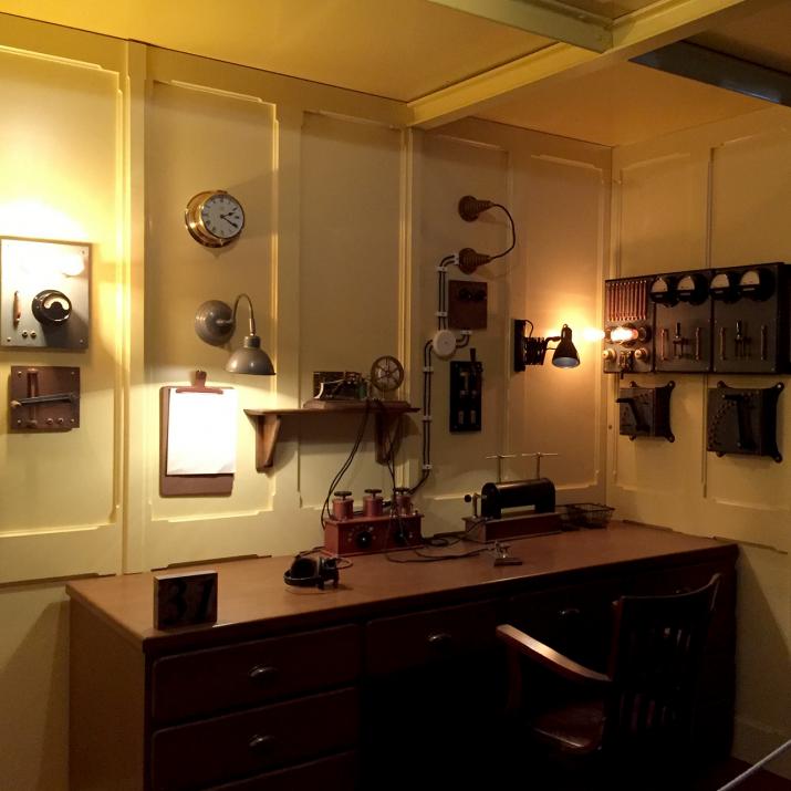 Reproducció exacta de la cabina de transmissió/ràdio del Titànic. Pionera juntament amb el seu inventor: Guglielmo Marconi, enginyer en electrònica. Foto: ALEIX COSTA