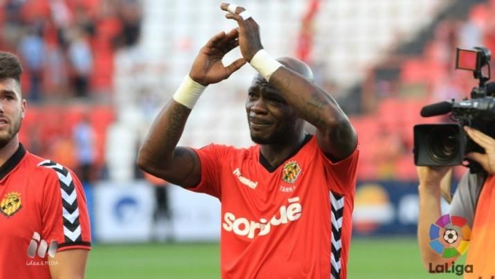 Achille Emana no va poder aguantar les llàgrimes després del partit. Foto:La Liga
