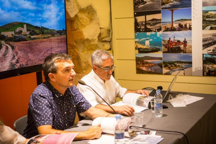 El geògraf i fotògraf Rafael López-Monné signa un dels articles del número 18 del FET. Foto: DAVID OLIETE