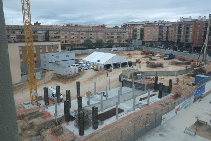 Terrenys on s'està construint el pavelló Sant Jordi, entre l'avinguda Andorra i la Rambla Lluís Companys. Foto: URV