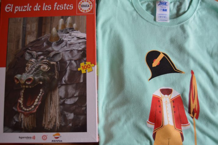 El puzzle i la samarreta de les festes, dos dels obsequis que tindran els nous subscriptors del FET a TARRAGONA.