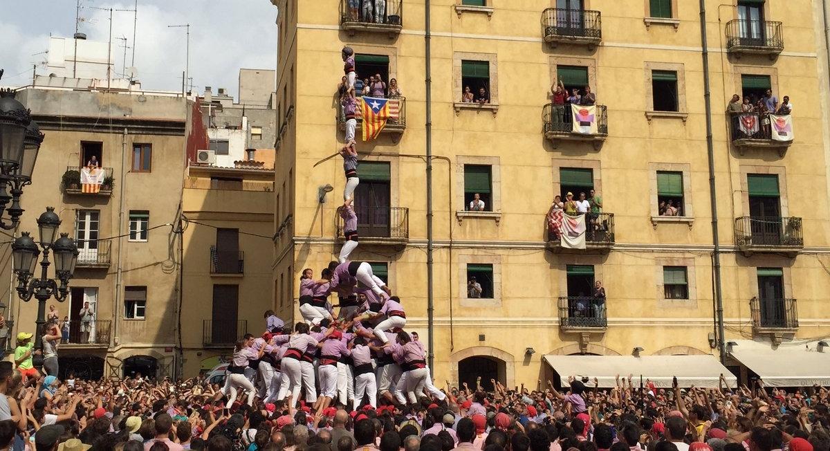 3 de 9 amb folre i l'agulla de la Jove de Tarragona (Foto: Santa Tecla TGN)