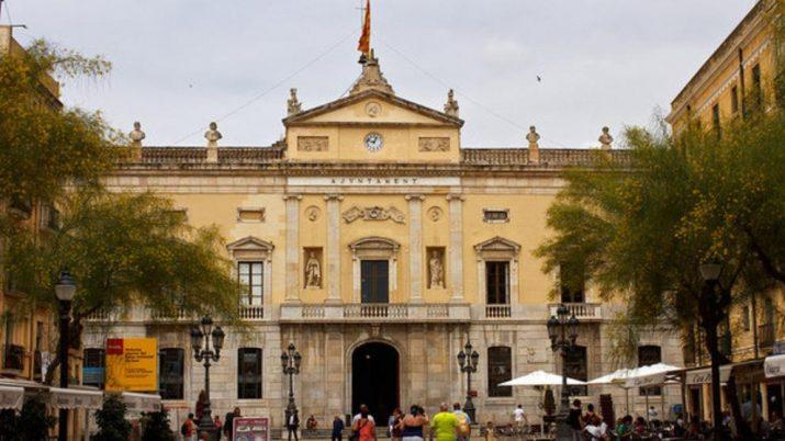 Façana principal de l'ajuntament de Tarragona (la fotografia l'ha afegit a l'article la redacció del 'Fet a Tarragona')