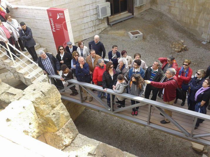 A la passarel·la d'accés a la Torre del Pretori
