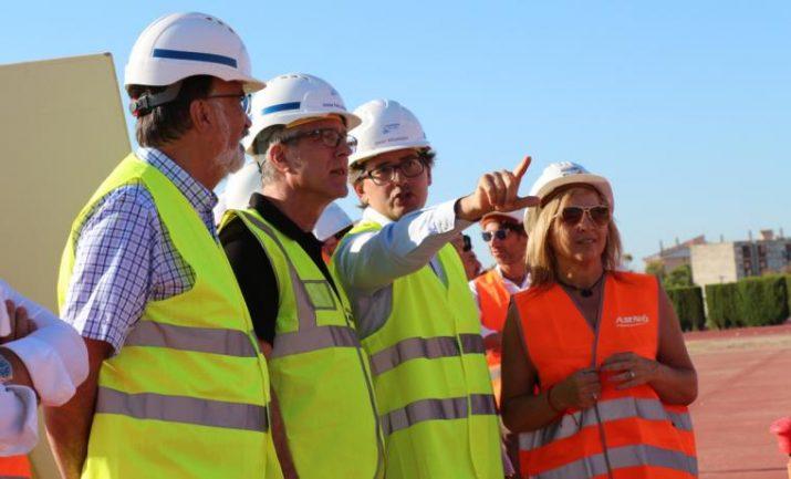 Visita d'obres de l'alcalde Ballesteros a l'Anella Mediterrània amb el coordinador dels Jocs, Javier Villamayor, i els regidors d'Urbanisme i Esports. Foto: delcamp.cat