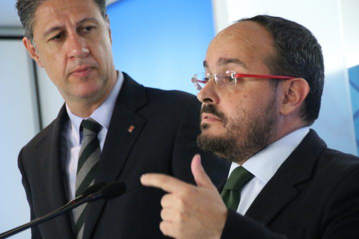 Alejandro Fernández, al costat de Xavier Garcia Albiol, aquest dilluns en roda de premsa. Foto: PPC